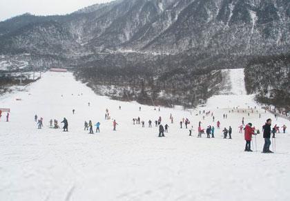 阳光雪山城堡滑雪场