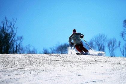 帽儿山哈体院高山滑雪场