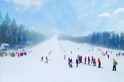 双峰滑雪场