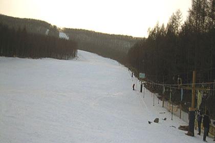 颐池山庄滑雪场