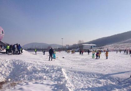 长春莲花山滑雪场