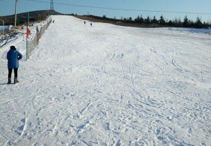 秦皇古道滑雪场