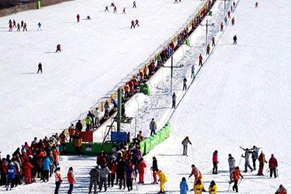 西安沣峪庄园滑雪场
