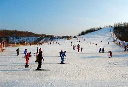 绿野山庄滑雪场