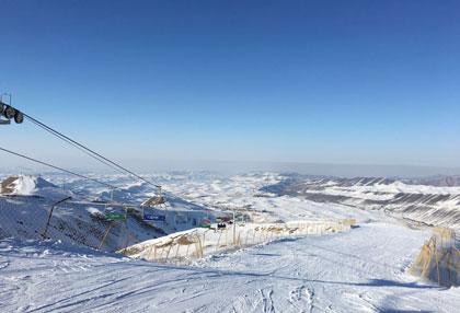 雪莲山滑雪场