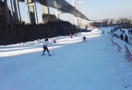 桃花峪滑雪场
