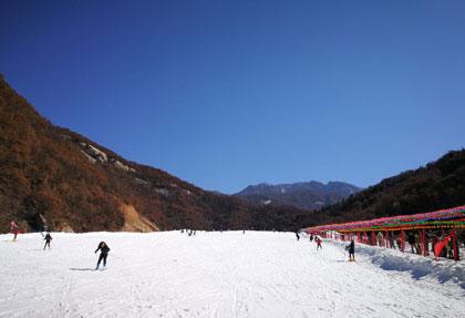 神灵寨滑雪场