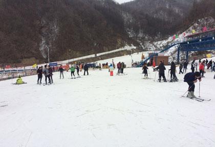 伏牛山滑雪度假乐园