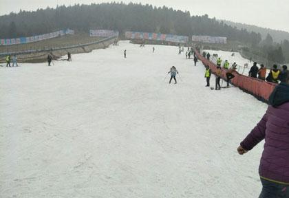 督公山滑雪乐园