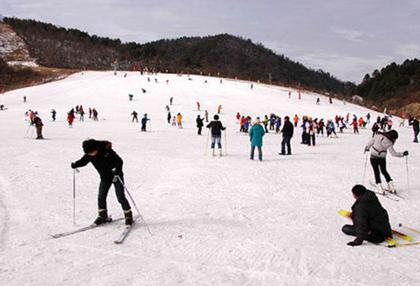 峨眉山高山滑雪场